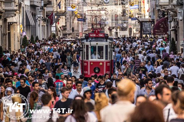 میدان تکسیم خیابان استقلال استانبول تور استانبول از مشهد